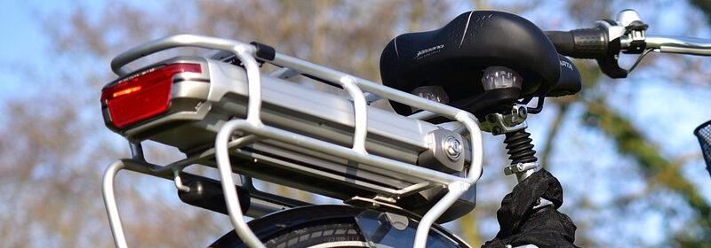 pelgrimstocht op een elektrische fiets